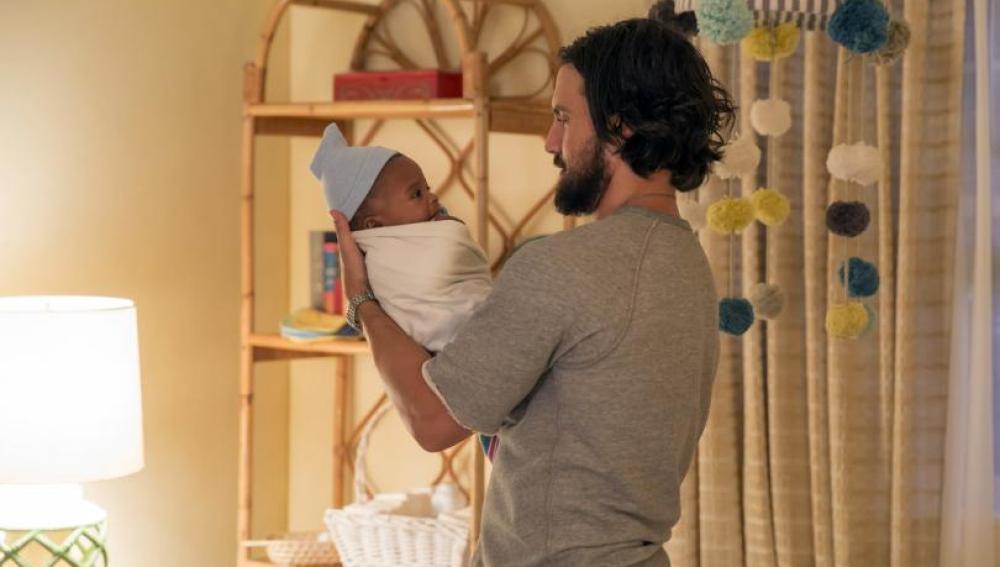 Jack (Milo Ventimiglia) y Rebecca (Mandy Moore) adoptaron un bebé (This is Us)