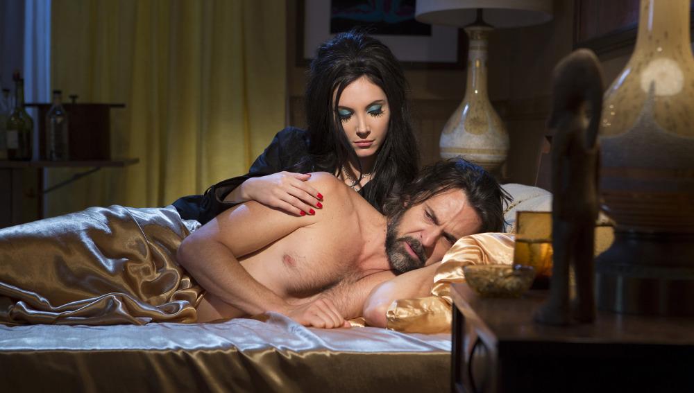 The love witch, protagonizada por Samantha Robinson