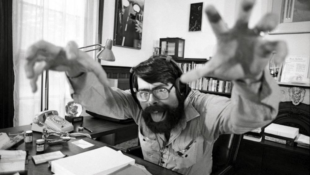 Stephen King en su oficina, a principios de los 80.