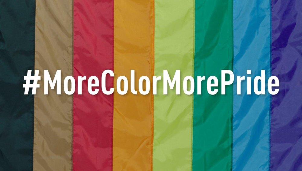 Bandera LGTB que incluye a las personas de color