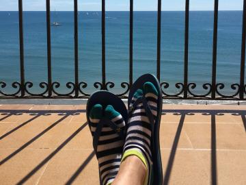 ¿Es necesario compartir selfies de tus pies en vacaciones?