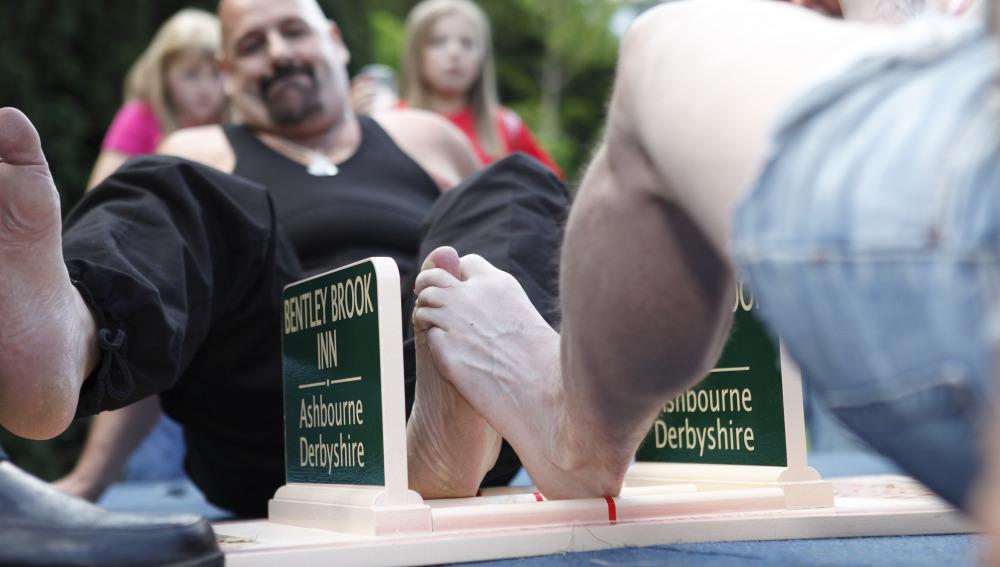 Lucha de dedos del pie