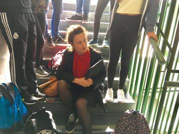 Sabina regresa al instituto 15 años después de la Selectividad