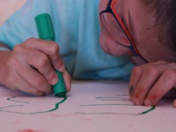 Fonsi tiene ocho años y padece una enfermedad que aún no tiene nombre médico