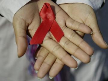 Lazo rojo, símbolo de la lucha contra el VIH.