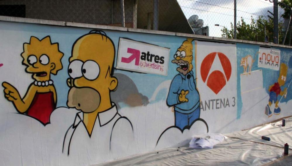 Mural de Los Simpson en el exterior de la sede de Atresmedia