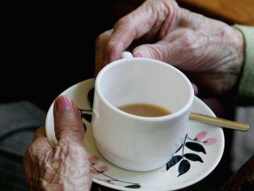 Más de cuatro millones de españoles viven solos